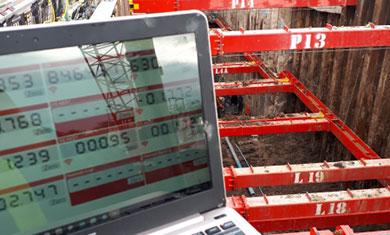 Prop load monitoring displayed on a laptop