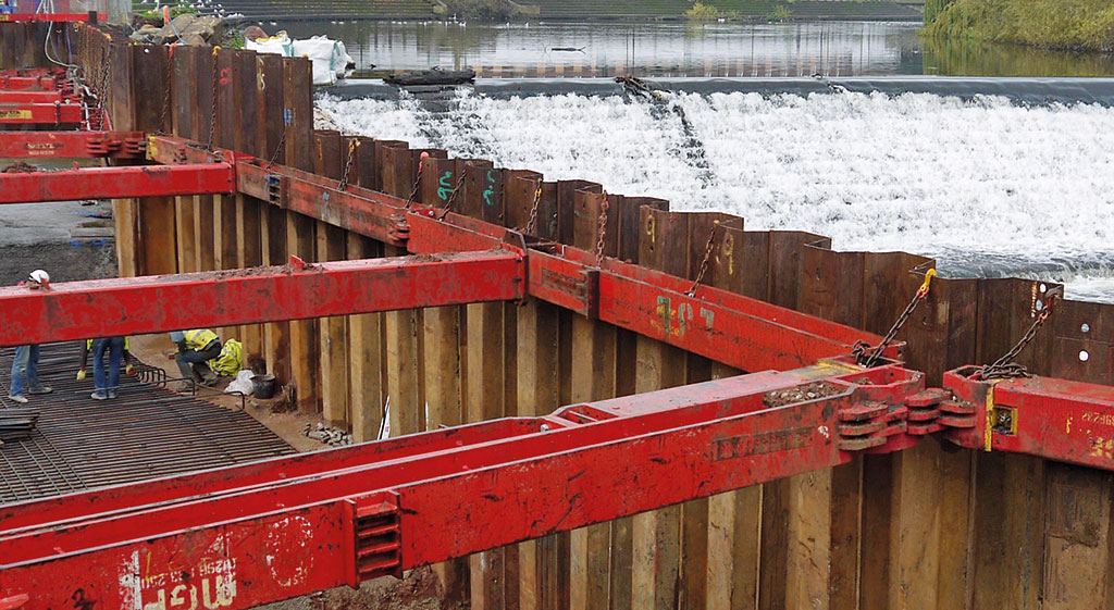 Image of sheet piles and MGF kit in an excavation