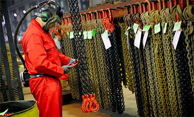 Inspecting lifting chains